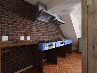 オリジナルの造作キッチン。